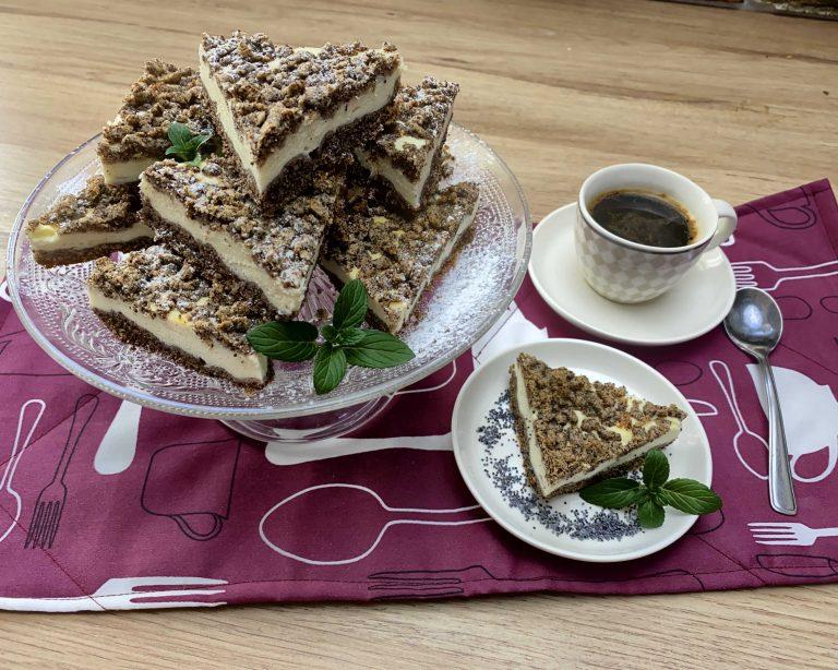 Tvarohový koláč s mákem z pohankové mouky Pernerky