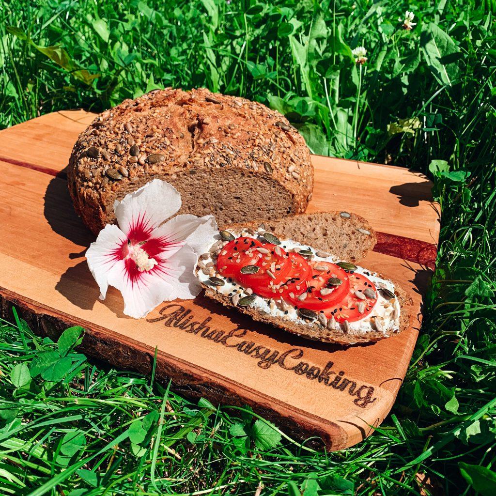 Vícezrnný špaldový chleba z celozrnné špaldové hladké mouky Pernerka